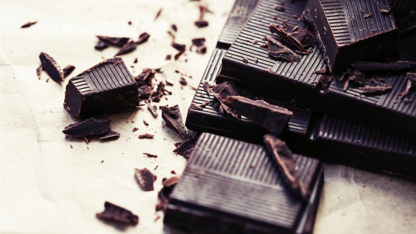 How much caffeine is really in dark chocolate bars? -- Dark chocolate