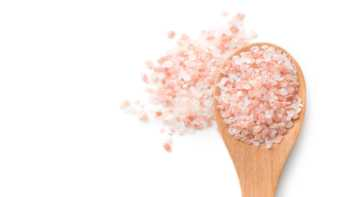 Himalayan Salt -- spoonful of pink Himalayan salt