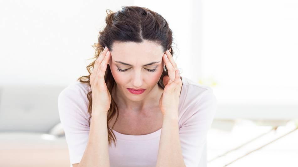 Yogurt & Dairy Causing Migraines -- women with migraine headache, head pain
