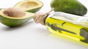 Health benefits of avocado oil - bottle of avocado oil